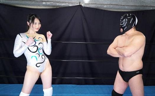 煩悩寺プロレスGODDESS 体操選手の花城あゆがリングで舞い乱れる
