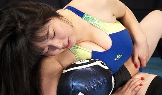 伝説の爆乳アイドル青木りんが煩悩寺プロレスに挑戦です!